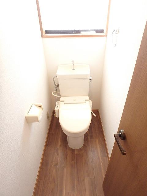 エミネンス 101号室のトイレ