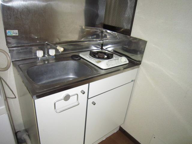 玉屋ハウス 202号室のキッチン
