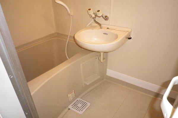 ドルフ北烏山C 206号室の風呂
