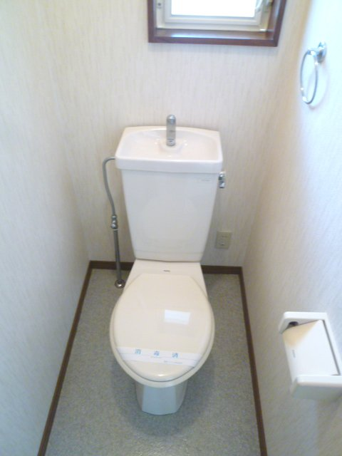 ハイツアミーゴ 108号室のトイレ