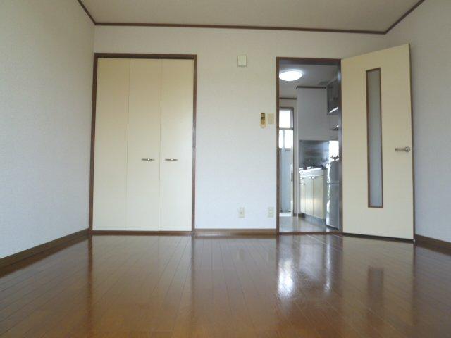 ハイツアミーゴ 108号室のリビング