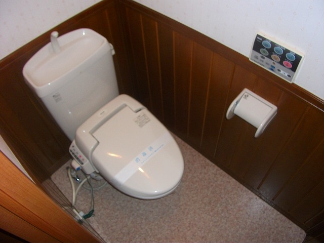 どれみ B-3号室のトイレ