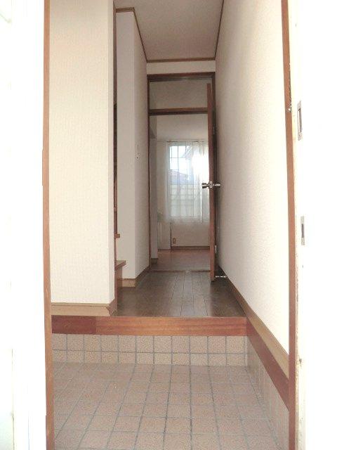 テラスハウスヤマエの玄関