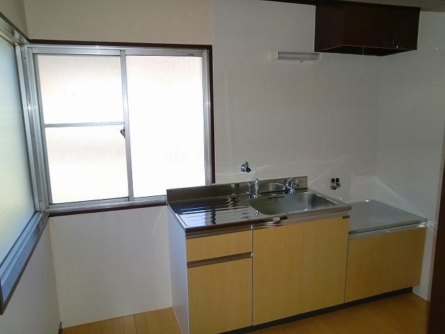 鈴木ハイツ 305号室のキッチン