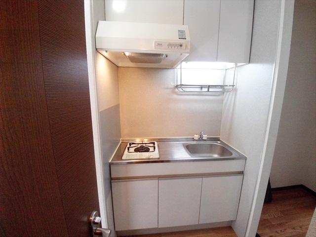 セフィラ上尾 101号室のキッチン