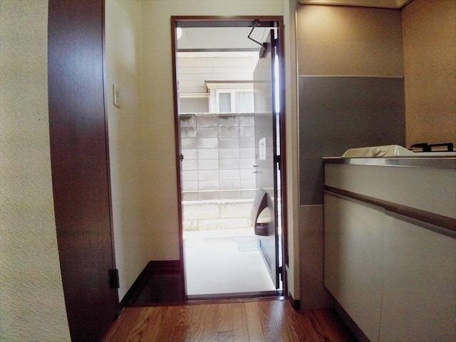 セフィラ上尾 101号室の玄関