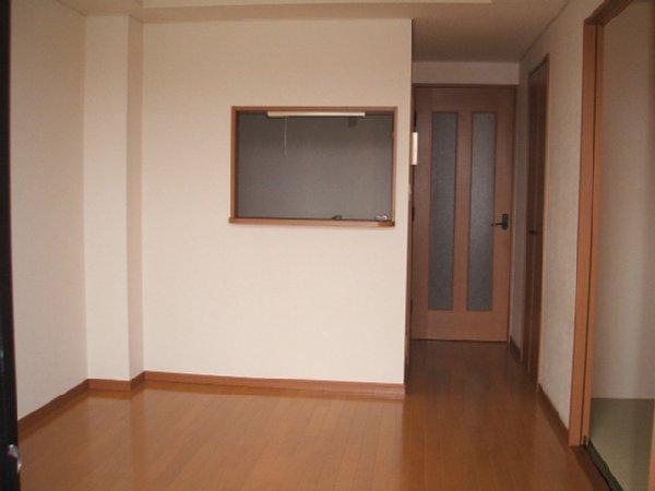 フォンテアベニュー 103号室のリビング