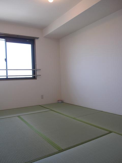 エコーハイツマルオカ 307号室のリビング
