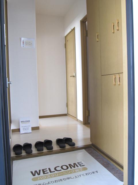 エコーハイツマルオカ 307号室の玄関