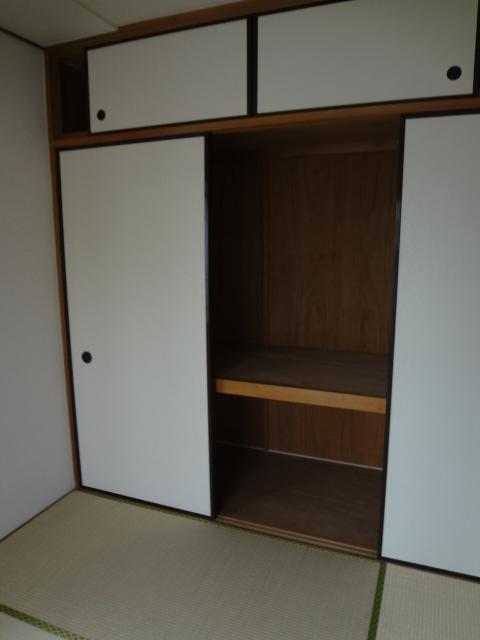 ジュネス浅間台 303号室の収納