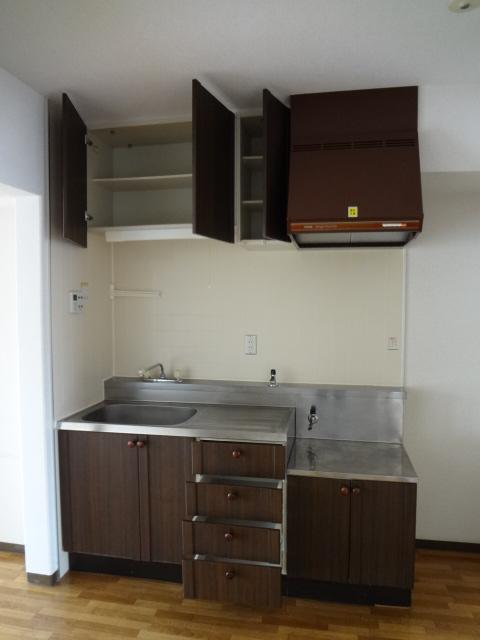 ジュネス浅間台 303号室のキッチン