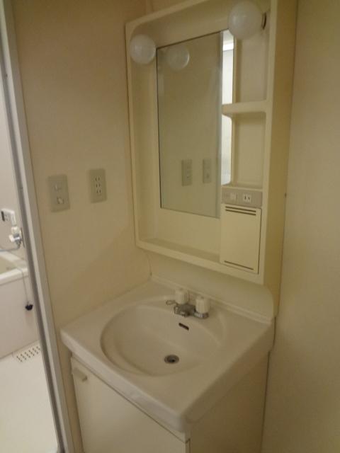 ジュネス浅間台 303号室の洗面所