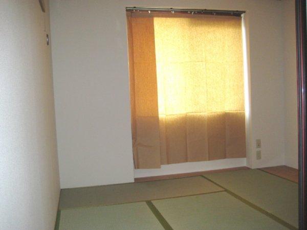 サンヴィレッジ本宿 306号室のリビング