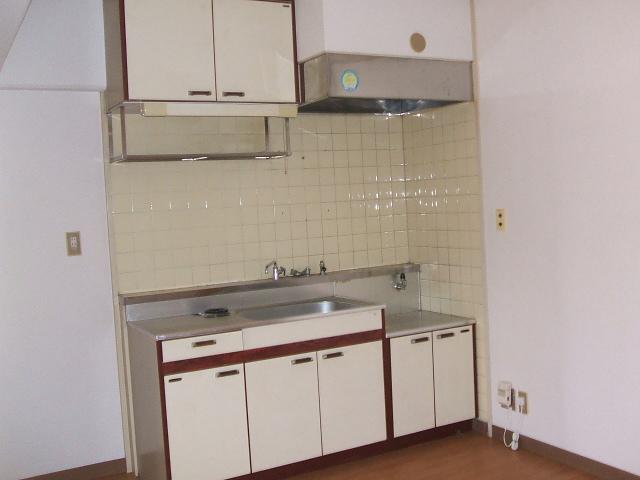 都築ハイツ 302号室のキッチン