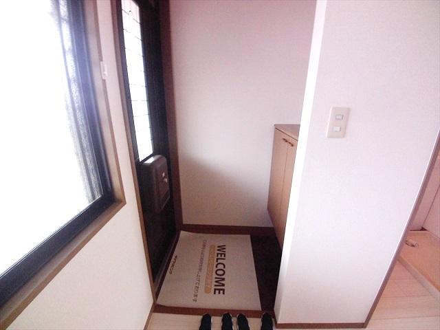 須藤ハイツ 202号室の玄関