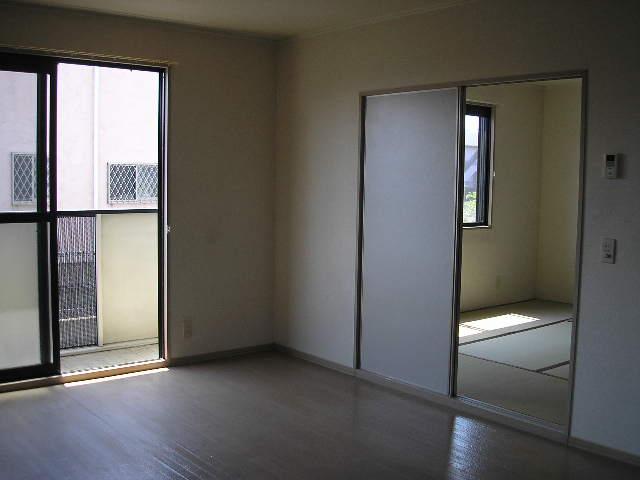 パークレジデンス 201号室の居室