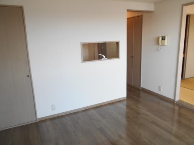 リヴィエール 302号室のリビング