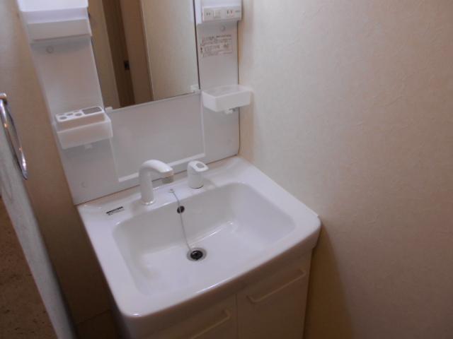リヴィエール 302号室の洗面所