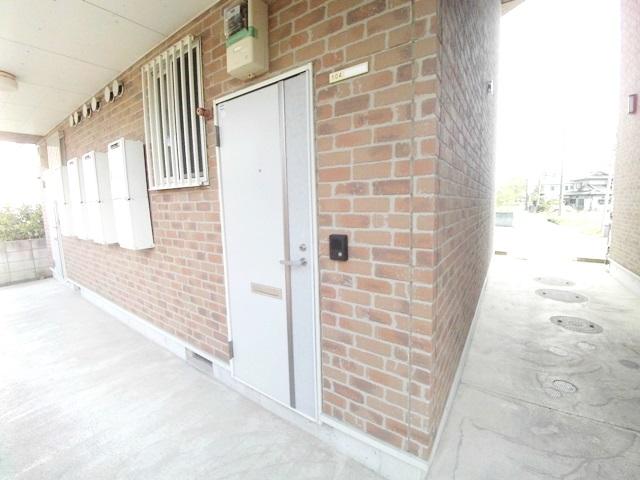 ワンルームS-3 204号室の外観2