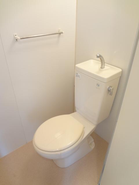 ワンルームS-2 203号室のトイレ