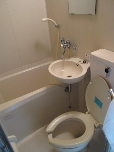 ベルピア北本第4 205号室の風呂