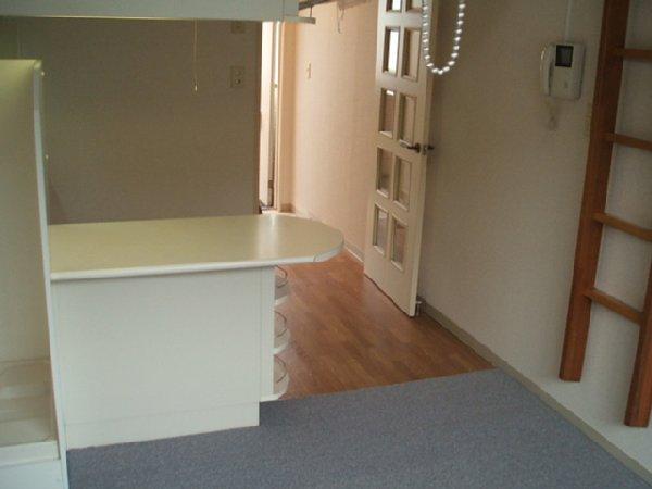 ベルピア北本第4 205号室の居室
