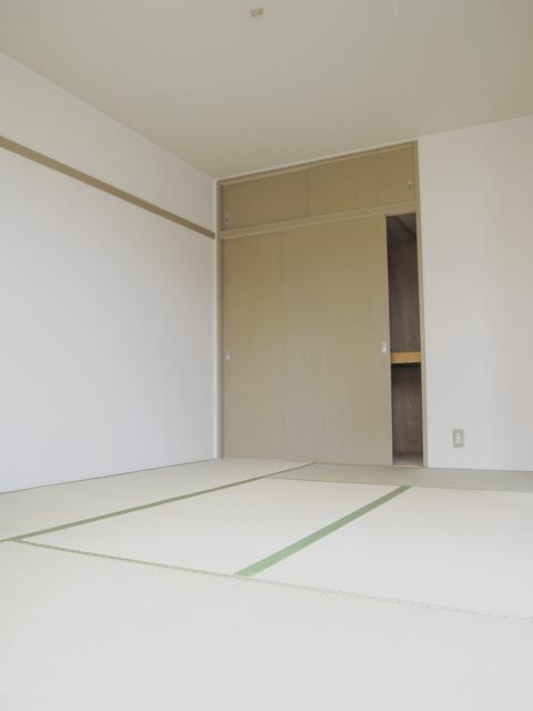 ドエリングA 102号室のリビング
