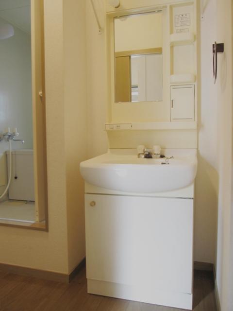 ドエリングA 102号室の洗面所