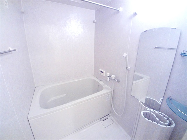 スーパーチェリー 202号室の風呂
