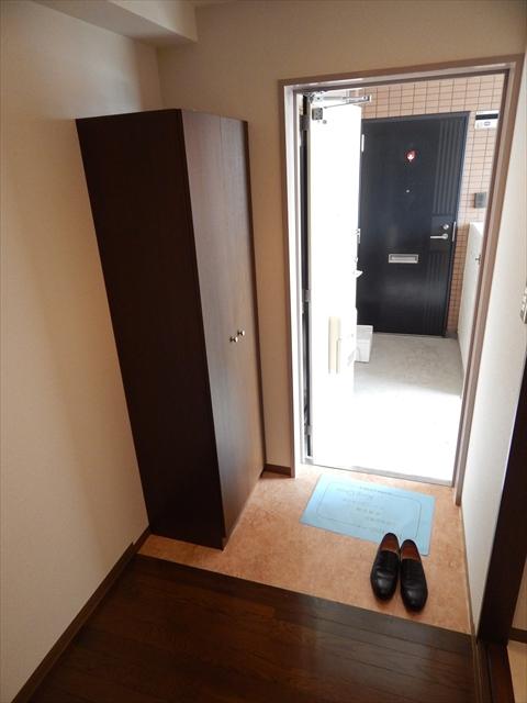 メゾンエトワール 102号室の玄関