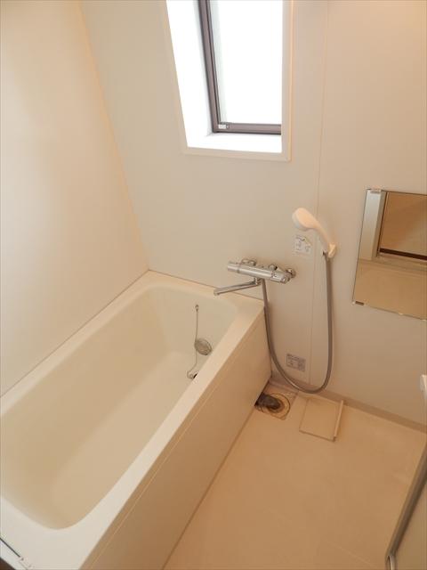 メゾンエトワール 102号室の風呂