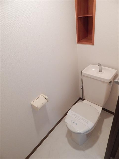 メゾンエトワール 102号室のトイレ