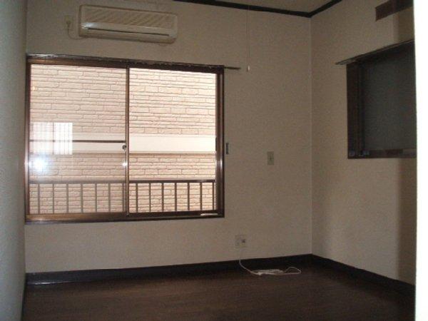 ラポーレ上尾 103号室の玄関