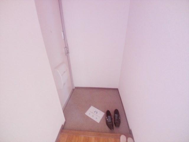 カサベルデ壱番館 101号室の玄関