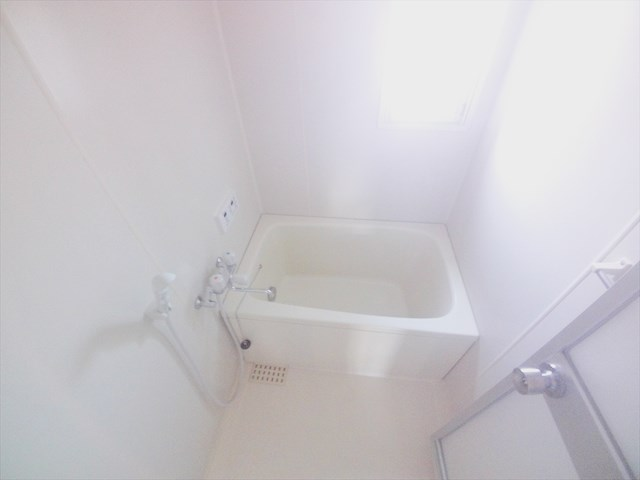 カサベルデ壱番館 101号室の風呂