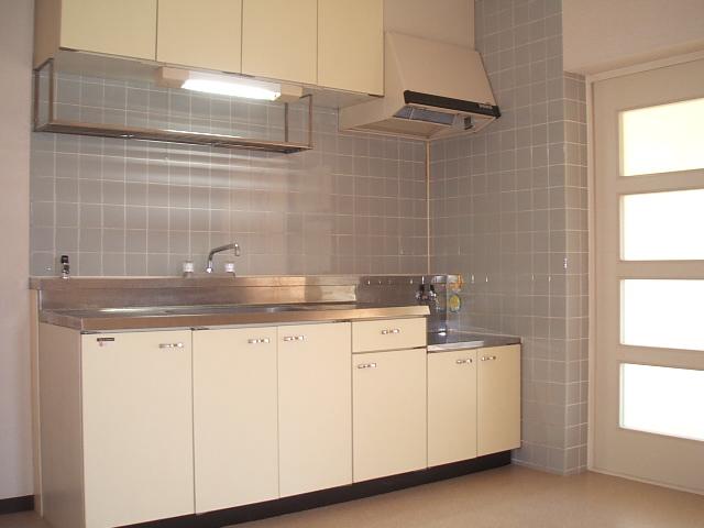 コトブキマンション 104号室のキッチン