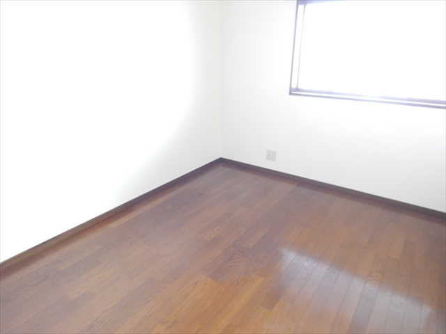グランドソレイユⅡ 1-203号室の居室