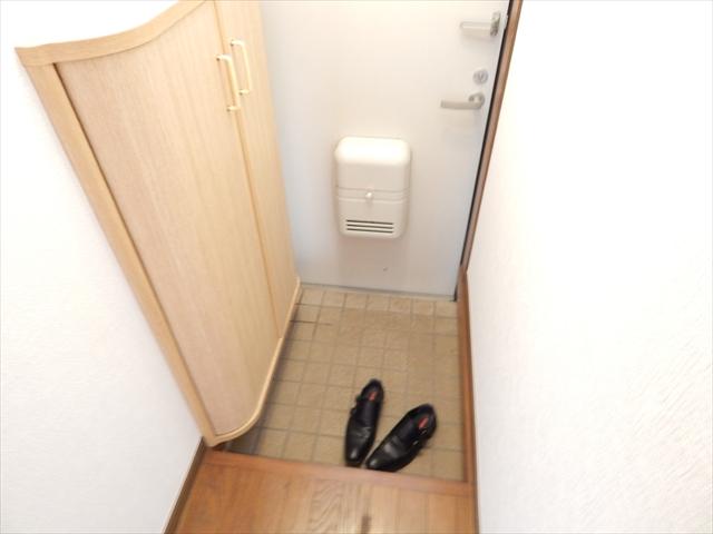 グランドソレイユⅡ 1-203号室の玄関