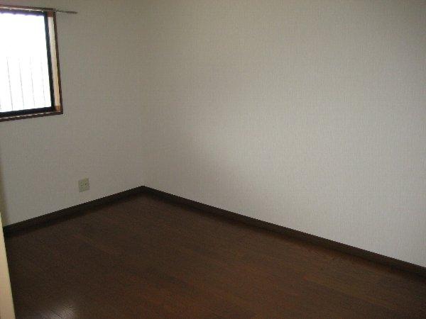 グランドソレイユⅡ 1-103号室のリビング