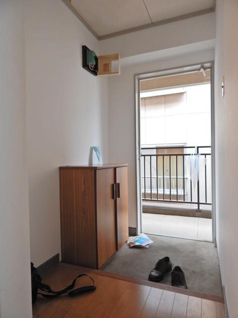 小川第一ビル 201号室の玄関