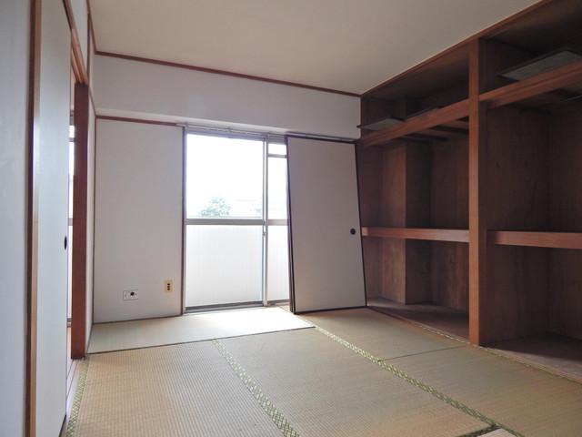 小川第一ビル 201号室の居室
