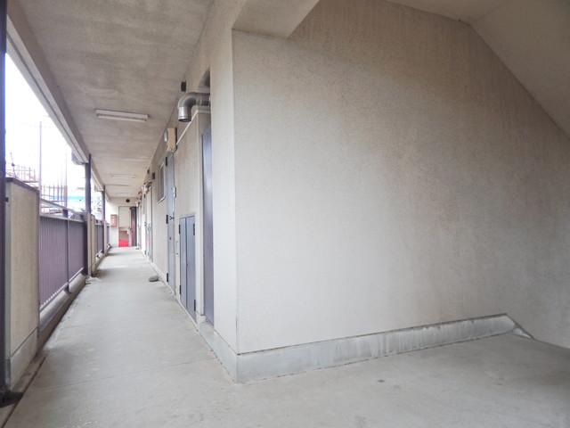 小川第一ビル 201号室のエントランス