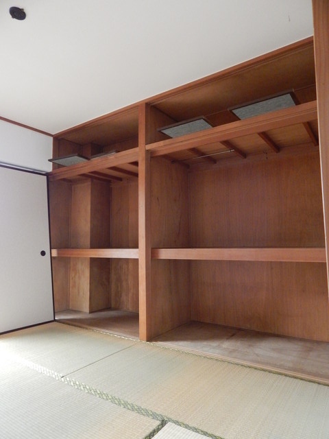 小川第一ビル 201号室の収納