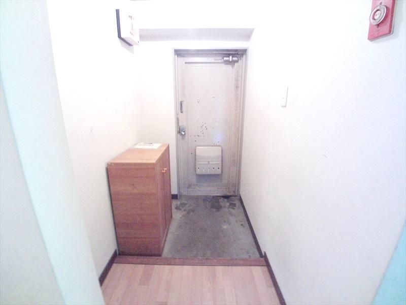小川第一ビル 202号室の玄関