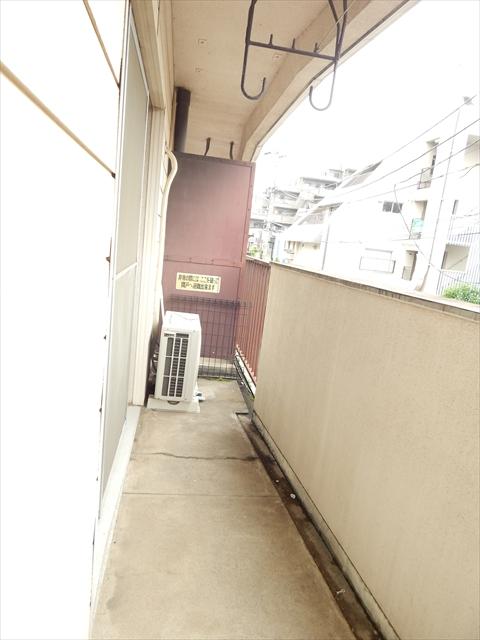 小川第一ビル 203号室のバルコニー