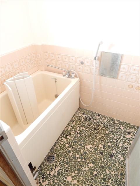 小川第2マンション 301号室の風呂