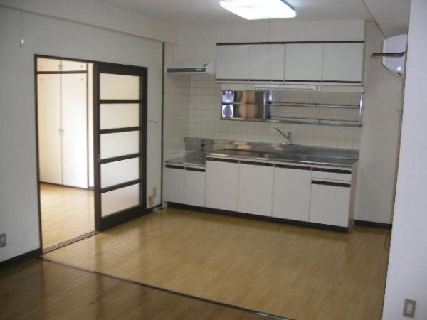 荒井第三ビル 201号室のキッチン