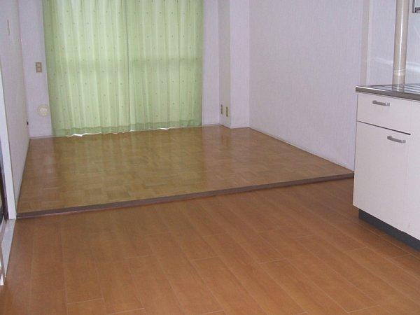 青木ハイツ 507号室のリビング