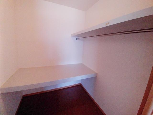 ローズガーデン 壱番館 305号室の収納