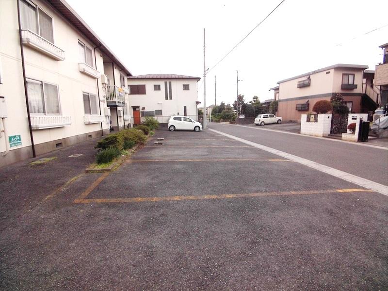 堀井コーポ 102号室の駐車場